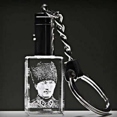 Kristal Askeri Kalpaklı Atatürk Anahtarlık
